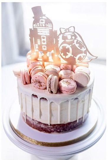 Star Wars topper wedding cake