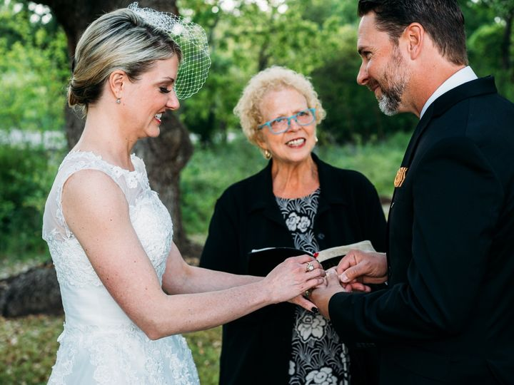 Tmx Img 3103 51 1008394 159234102375273 Georgetown, TX wedding officiant