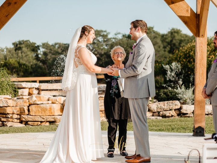 Tmx Img 4427 51 1008394 159234075614946 Georgetown, TX wedding officiant