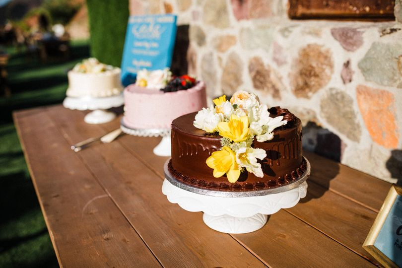 3 cake flavors with florals
