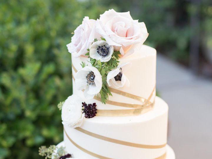 Tmx Whitegoldcake 51 980494 1562613391 Los Angeles, CA wedding cake