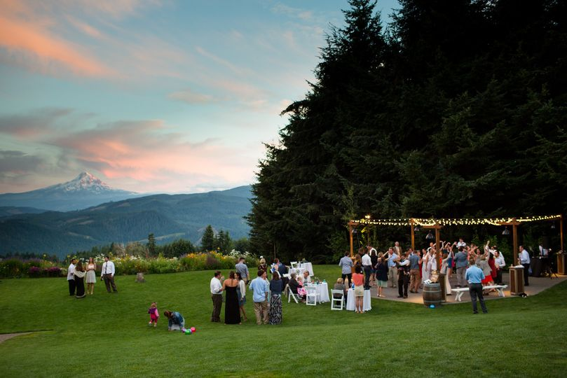 Gorge Crest Vinyards  Underwood, WA - Photo Credit: jessicahillphotography.com