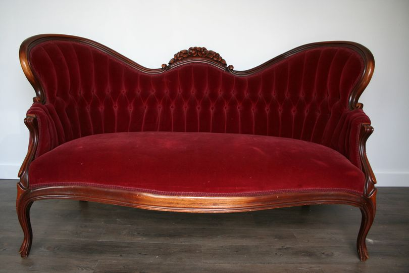 redcouch