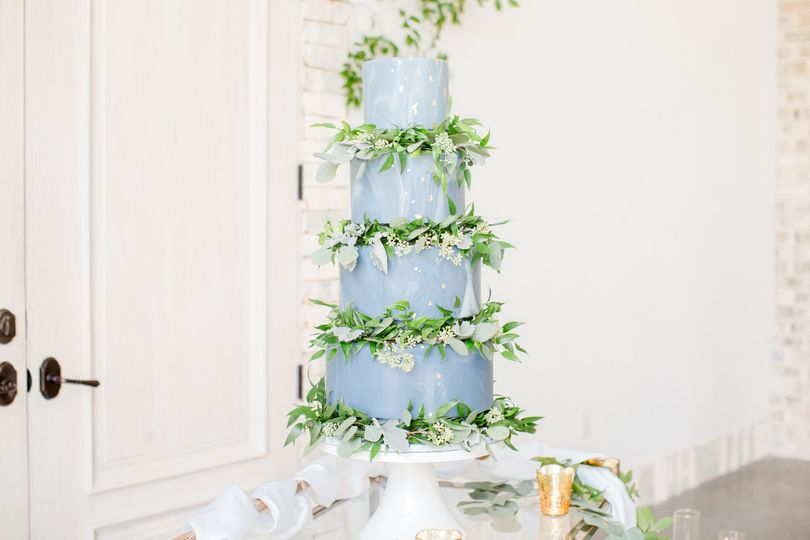 Dusty blue romantic marble wedding cake: wrightsville manor: design a dream events