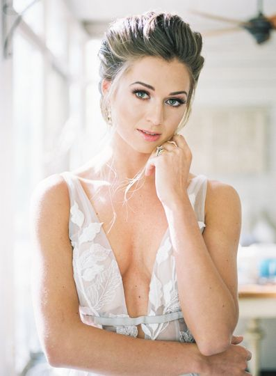 Makeup by Jenny Le & Hair by Katy Barbour  https://sunshowerphotography.com