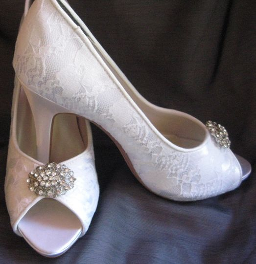 lace wedding shoe with vintage style oval brooch