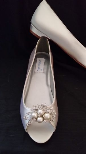 bridal kitten heel with cascading pearls and cryst