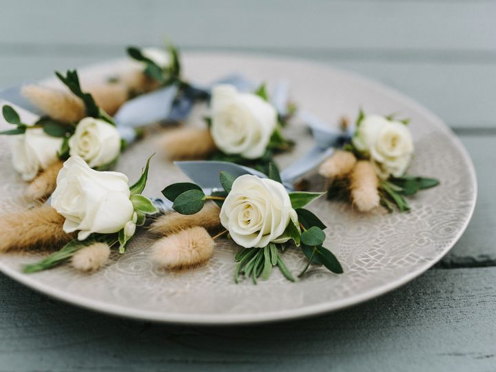 Tmx White Boutonnieres 51 430694 157599364044648 Poughquag wedding florist