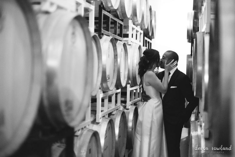 Kiss in the winery