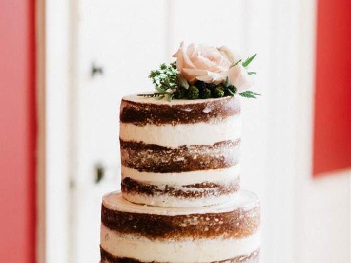 Tmx 1515528969 3b0f4944bf25f65a 1515528969 0beb3e43b73e8e82 1515528994378 2 12670381 103850633 Beverly wedding cake