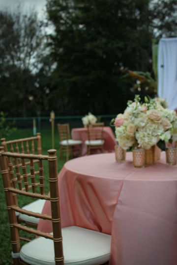 Table setting with floral