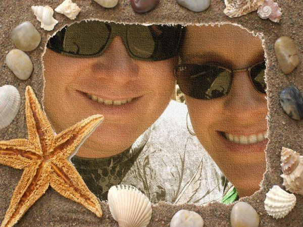 This couple shares a picture with Itchin 2 Go Travel from their Honeymoon in Cozemel.