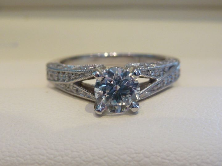 Top view of this pretty with a split shank and pave