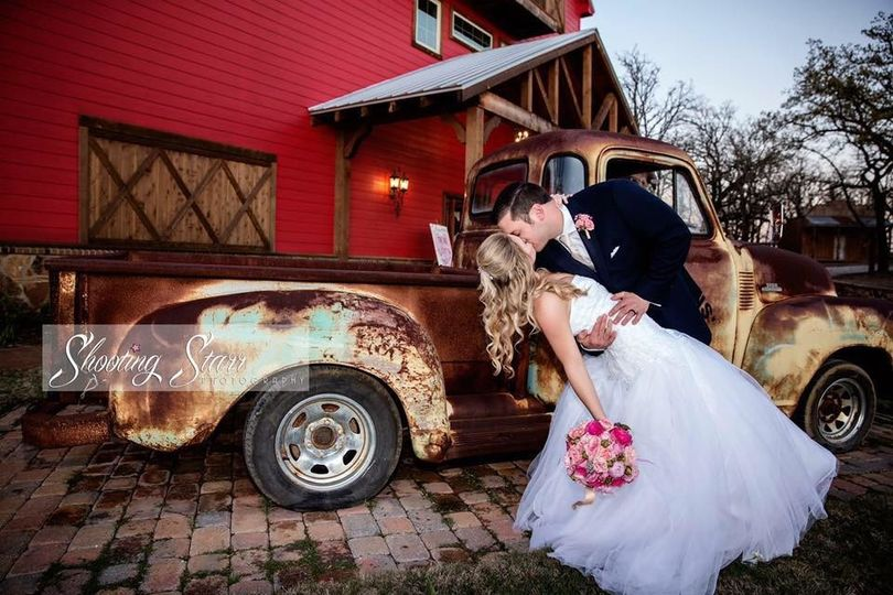 Kiss by the truck