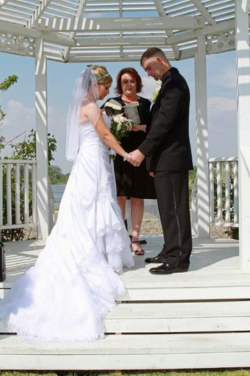 We offer non-denominational wedding ceremonies to couples of all faiths and beliefs.