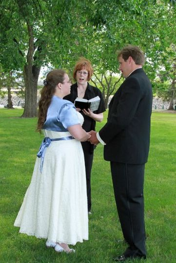 Park weddings are an easy, stress free way to get married, and so much more beautiful than going to...