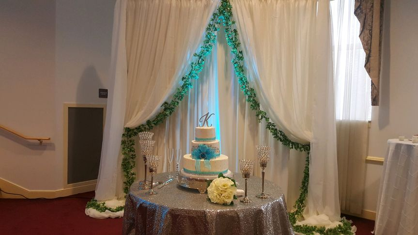 Cake table & Drape design