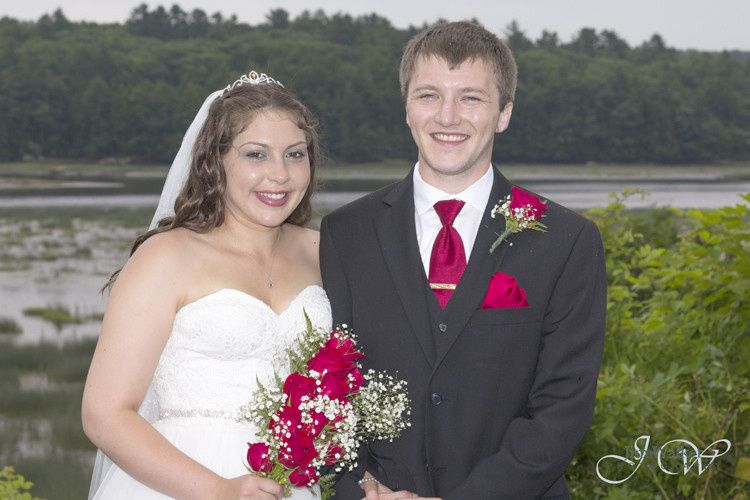 Shannon and Jeremy were married at Taste of Maine in Woolwich, Maine.