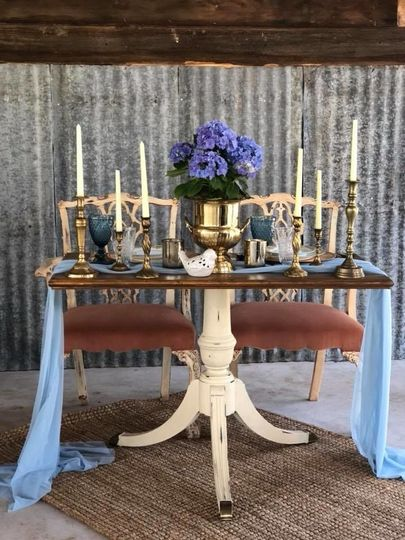 Sweetheart table, vintage style