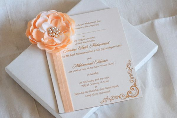 Floral & Chich shabby invitations. Customizing the invitations in your color, theme and more details...