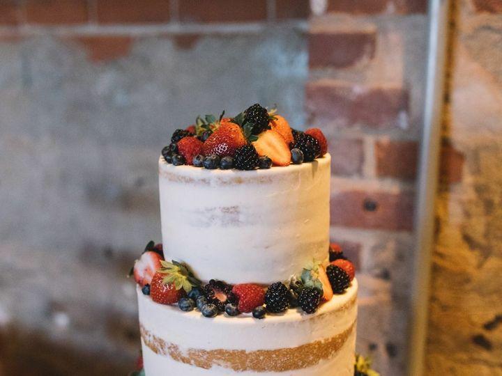 Tmx 1539207784 54886ddcba6e18ec 1539207783 B08126631c369c10 1539208148567 15 Grace V. Photogra Dubuque wedding cake