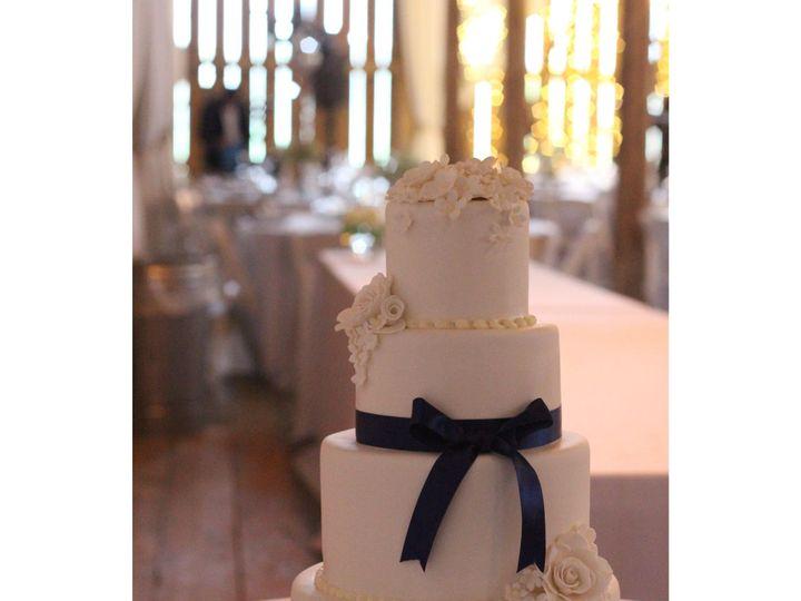 Tmx 1539207834 F0d745aa7b62134b 1539207833 Fcdb3521b4763a8c 1539208197984 19 IMG 3154 Dubuque wedding cake