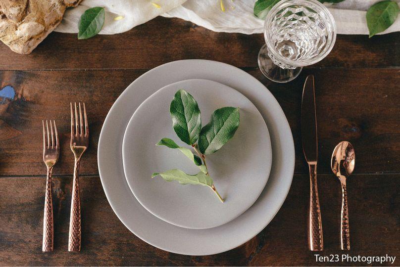Simple plate arrangement