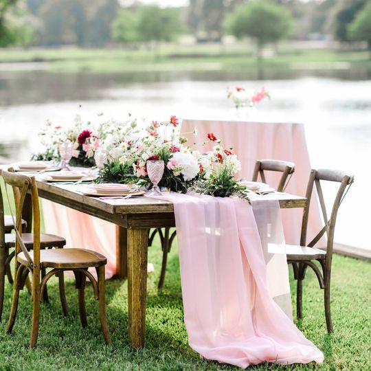 Plymouth Farm Table
