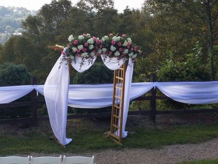 Tmx 1524184045 2beb7e1e8a410fb2 1524184044 6e09ae2695e40508 1524184056605 37 Arbor Swannanoa, NC wedding florist
