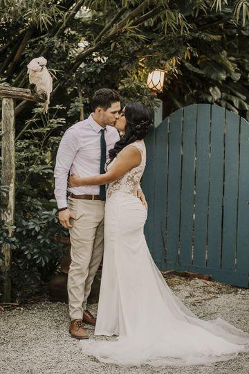 10969e71d9056d28 1538489508 3352ca3e5c9e7e5b 1538489503634 1 K M wedding Images