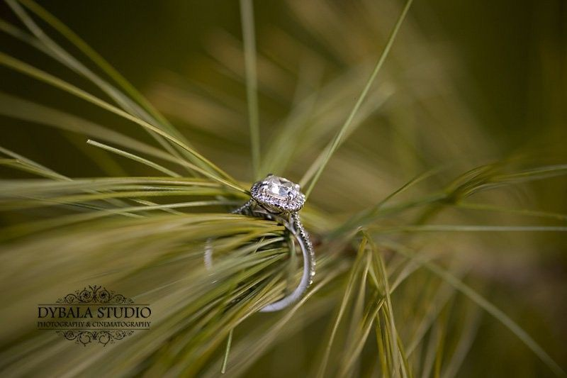 creative engagement ring photo