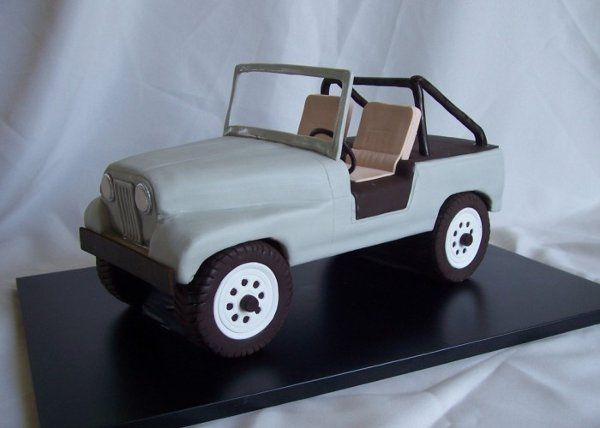 3D jeep birthday cake