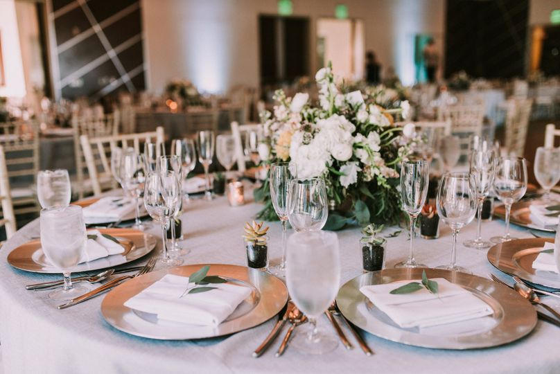 Details in the tablescape