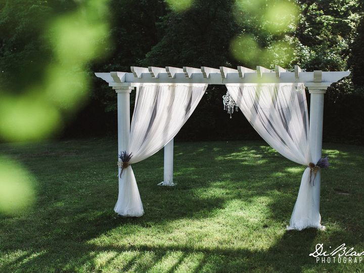 Tmx Cheers Pergola W Chandelier Curtains 51 82994 Lancaster, OH wedding venue