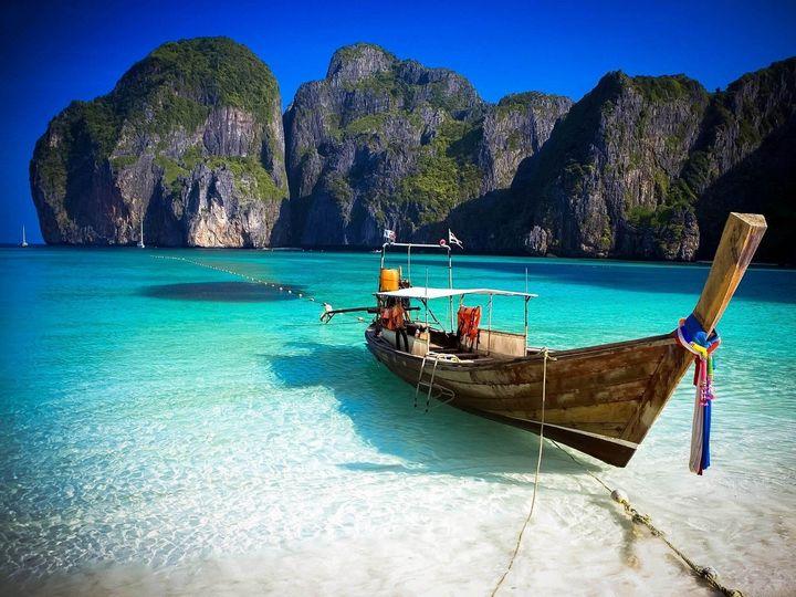 phiphiislandbeach thailand
