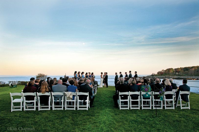 Your elegant oceanfront wedding by the sea