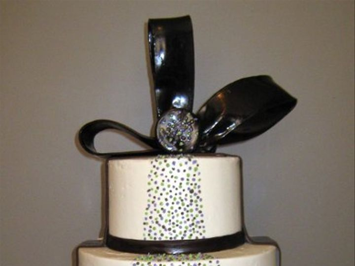 Tmx 1240968236900 Dotsandbows Glenmoore wedding cake