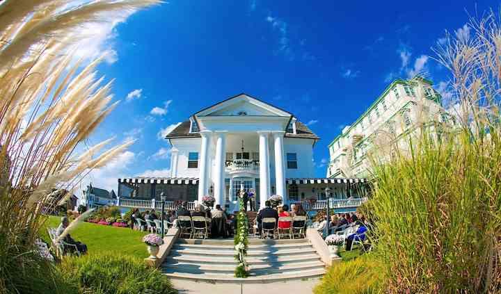 Peter Shields Inn & Restaurant