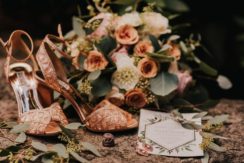 Rose gold and ivory palette