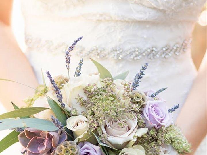 Tmx 1536681562 26a4d93e9aaefcf7 1536681561 87b844b4595ce528 1536681551168 7 29433231 162807379 Portland, OR wedding florist