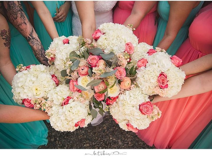 Tmx 68510614 2416083121802637 3624787733072838656 N 51 976994 1566455319 Portland, OR wedding florist