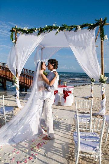 romanticgetawayrivieramayaweddings