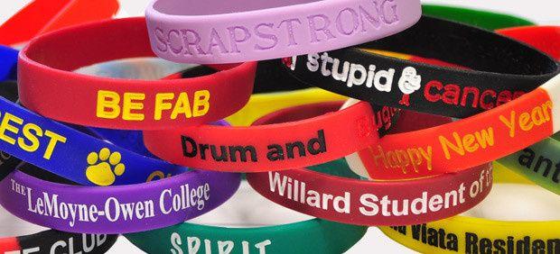 use custom bracelet to express your emotions towar