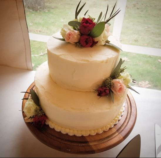 404c6a42710 The Looking Glass Bakery - Wedding Cake - Madison
