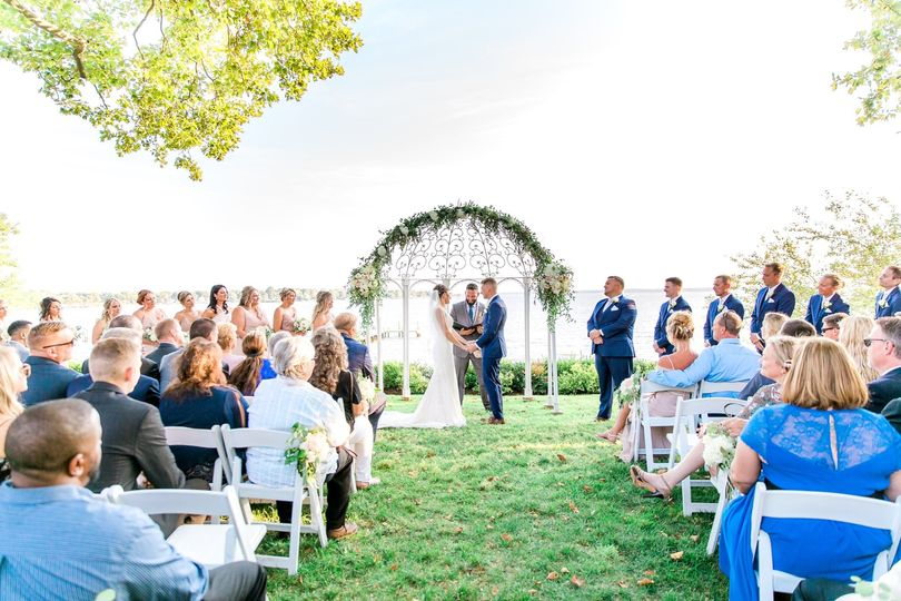 Exchanging vows by the Bay