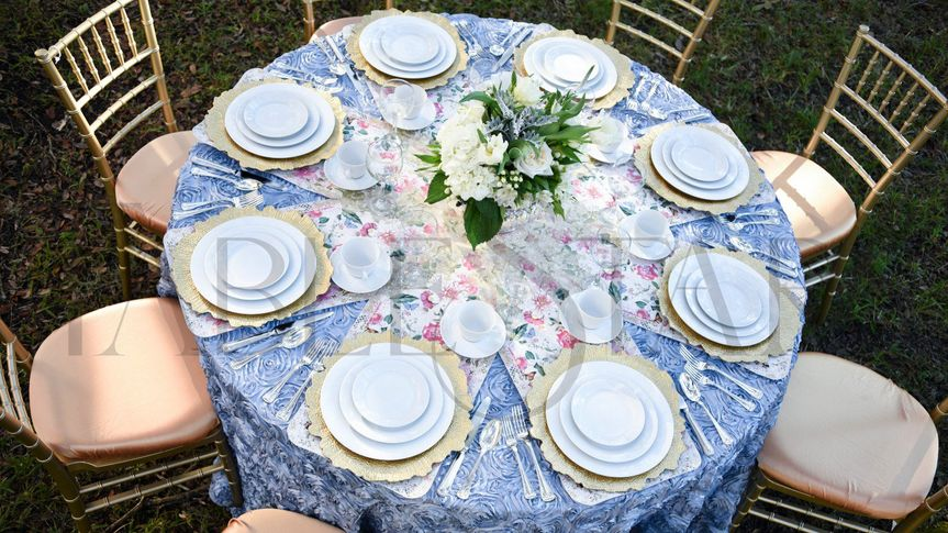 w victorias choice tablestar table runner in light cream for round tables 180 51 2016005 161360804161312