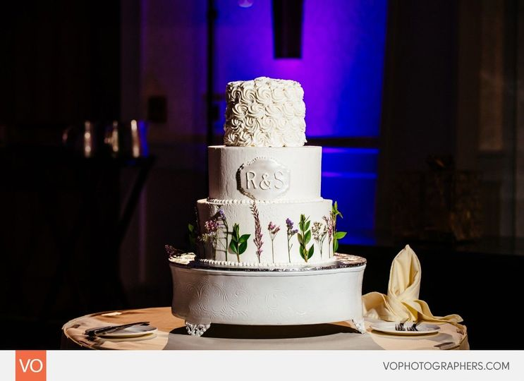 3636e761481d3948 1534261681 0962601d75aa1da1 1534261679782 3 Wedding Cake 5 27