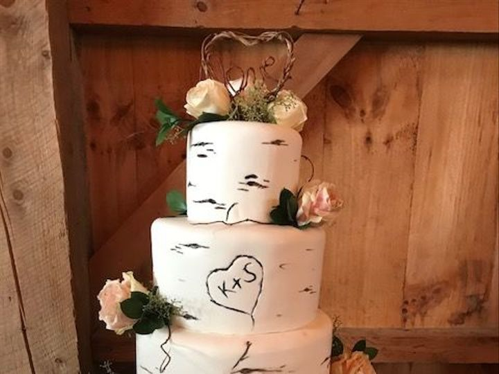 Tmx 1534447418 Bb202a21ad9617df 1534447417 343980e57be362de 1534447418694 7 Allen Hill Farm 3 Glastonbury, CT wedding cake