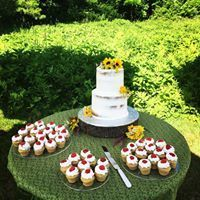 Tmx 1534450918 1bfadf80585846f6 1534450918 6801da7c1a312ac6 1534450917451 12 Wedding Buffet Glastonbury, CT wedding cake