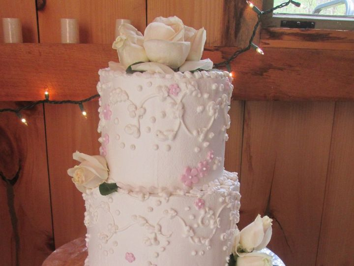 Tmx 1535133849 2c2045cd5a67ec42 1535133847 34d9372e05936145 1535133826976 3 Wedding Cake 2 Tie Glastonbury, CT wedding cake